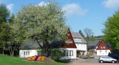 Berghotel Lockwitzgrund im Frühling